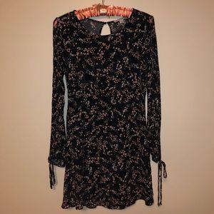 American Eagle flower dress 🌸
